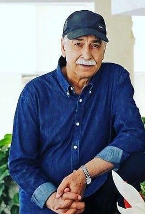 محمود پاکنیت